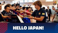 球星来啦!巴萨抵达东京机场,看看日本球迷有