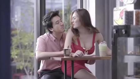 泰国搞笑广告 不管这是什么饮料,马上来一罐!