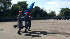 泰国阅兵最搞笑的一幕,看一次笑一次,专治不