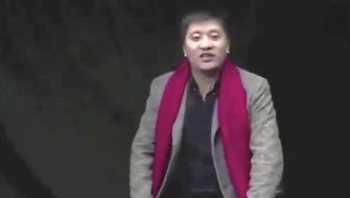 张雪峰恶搞视频:现场不满导演摄像情绪激动发