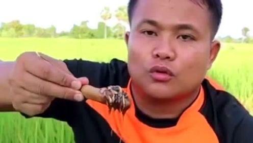 美食:来自泰国的吃货大叔,轻松吃下十斤的食