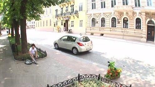 追尾了搞笑,是我的车啊,在俄罗斯大街上有趣
