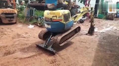 这台挖掘机看着这么搞笑,不知道要多少钱?
