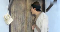 林正英进厕所发现马桶失踪了, 喊徒弟问原因, 当
