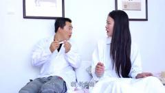美女请男医生到家里来看病,整个过程太逗了,