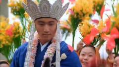 唐僧开场这一段舞蹈,奠定了之后的逗比形象。